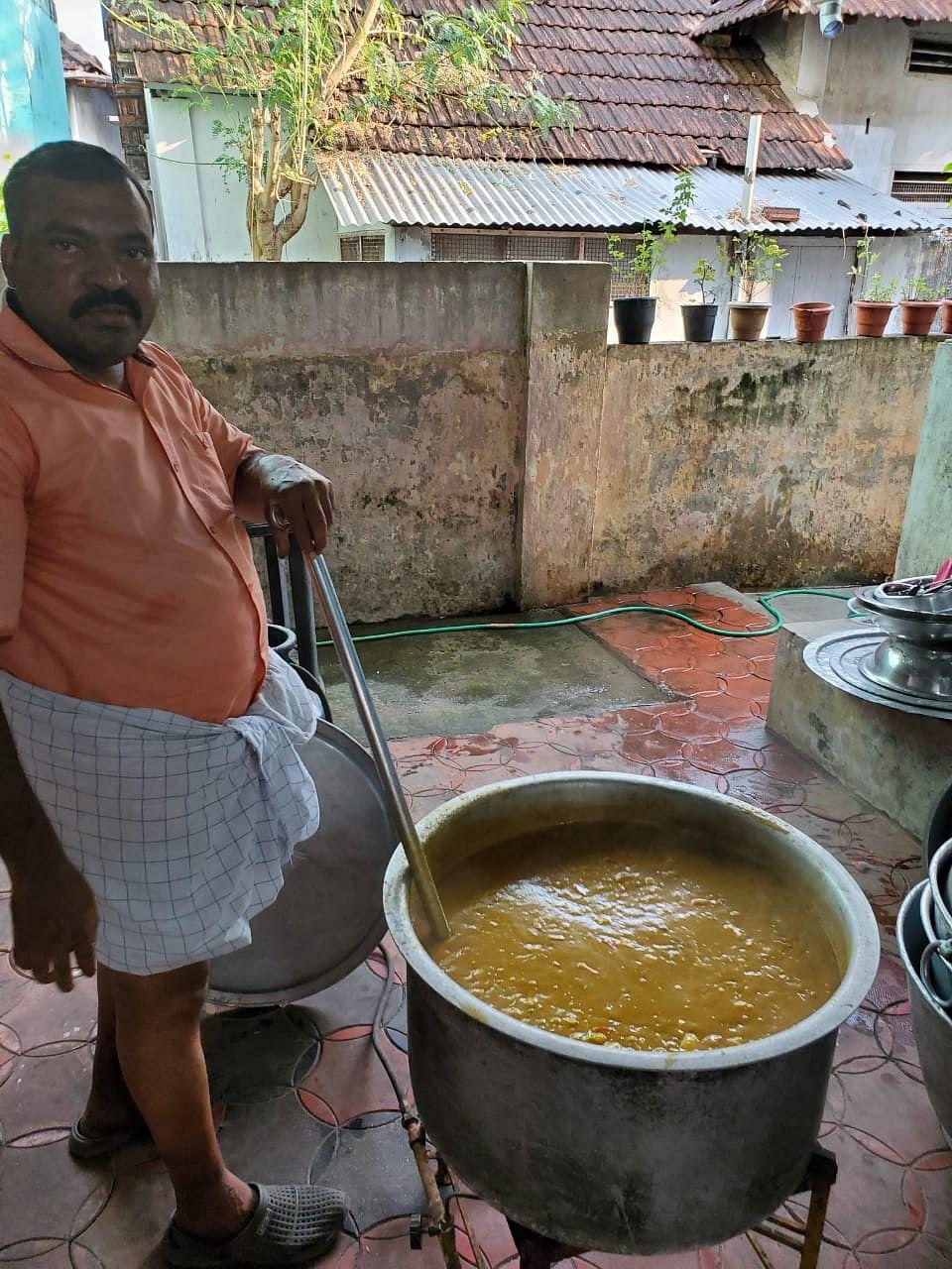 kitchen community run by film fraternity in Kochi