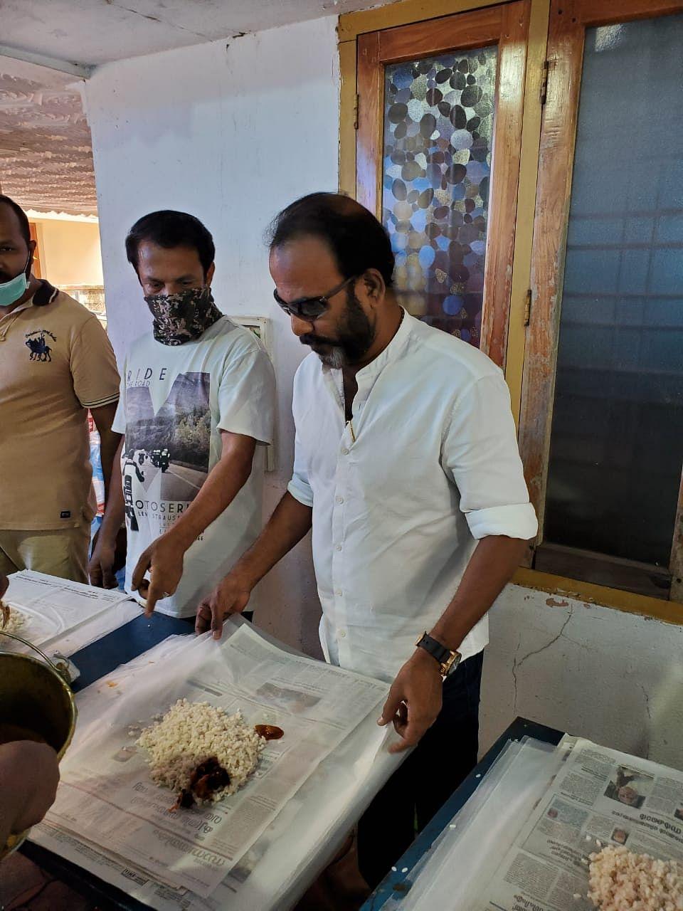 Director Major Ravi at the kitchen community run by film fraternity in Kochi