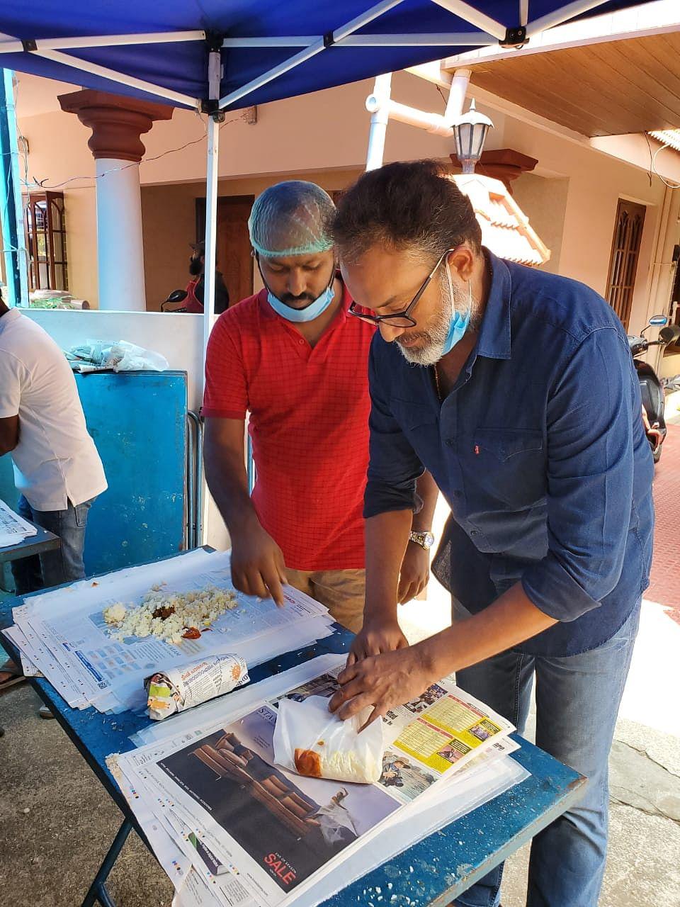Actor Suresh Krishna at the kitchen community run by film fraternity in Kochi
